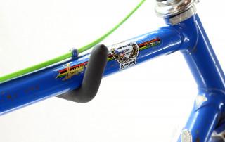 cu fmoser blue 6 320x202 - Bunt & Stilsicher