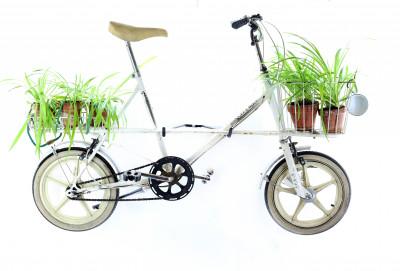 cu shoppingbike white 1 - Mit Schirm, Charme und Melone
