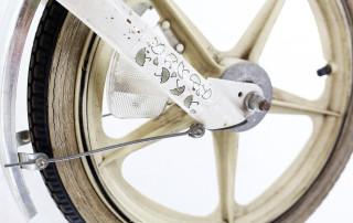 cu shoppingbike white 3 320x202 - Mit Schirm, Charme und Melone