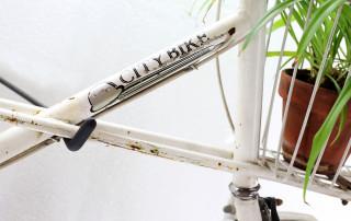 cu shoppingbike white 5 320x202 - Mit Schirm, Charme und Melone
