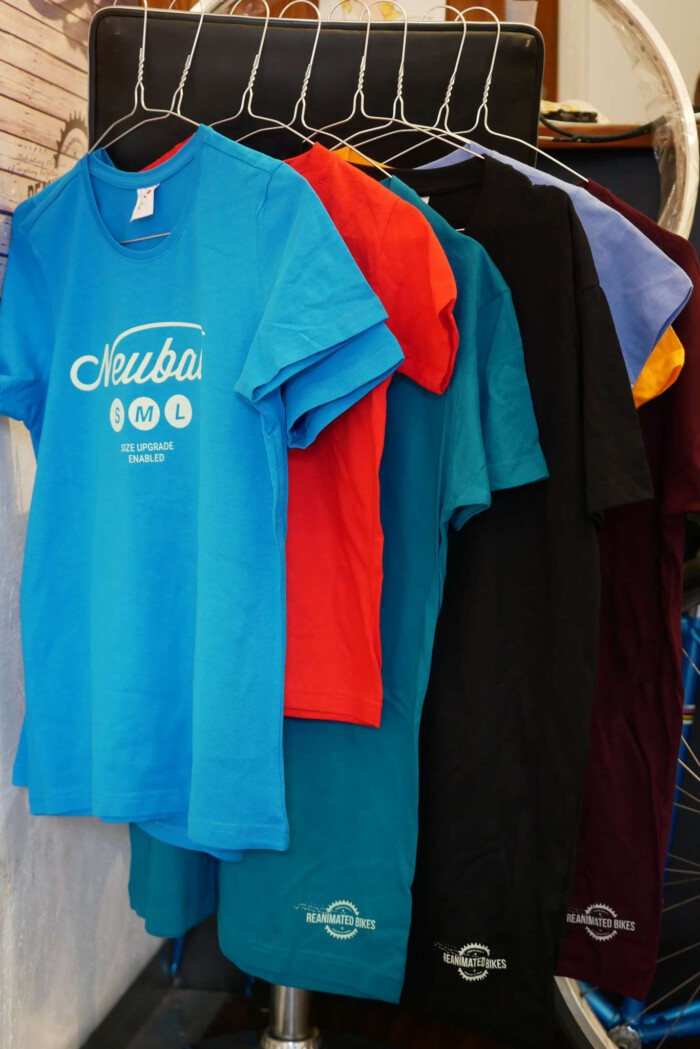 P1080061 700x1049 - T-shirts
